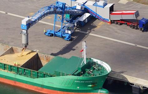 grain_loading_shiploader